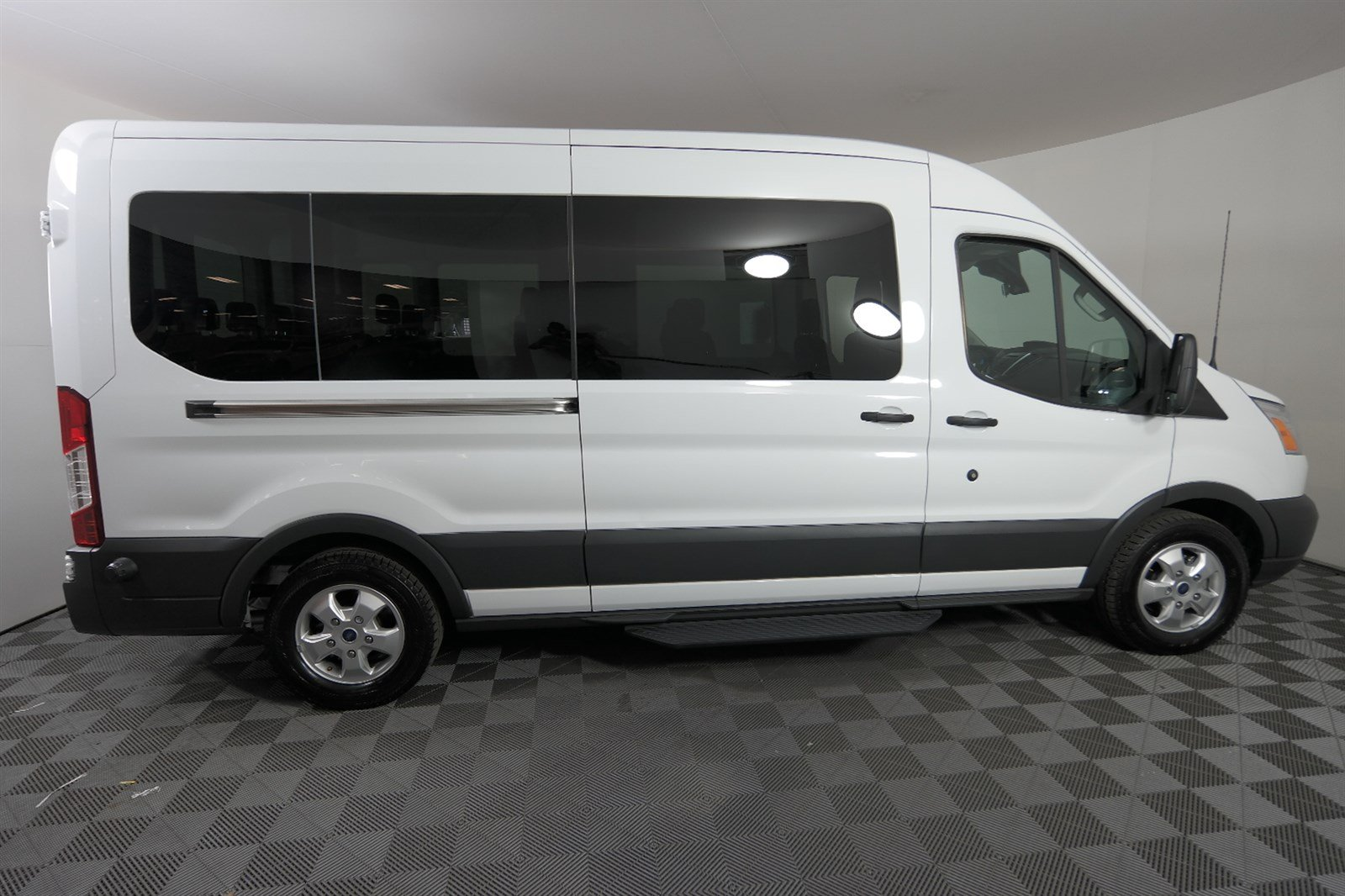 Pre owned 2018 ford transit passenger wagon xl