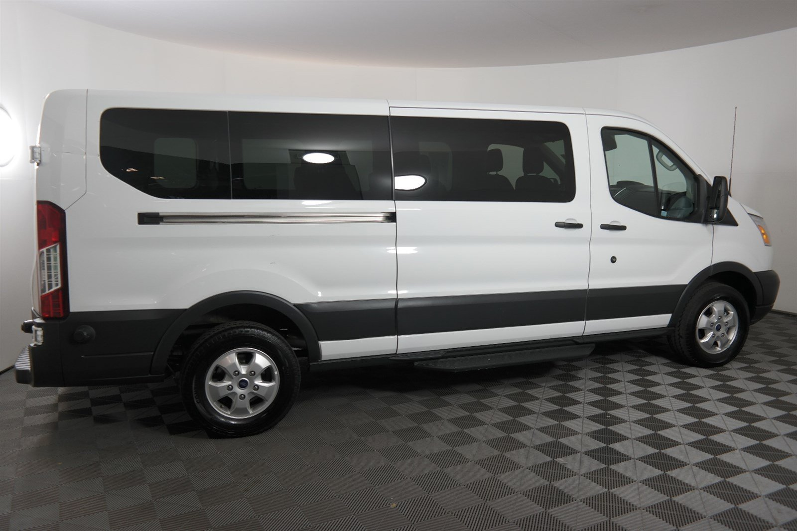 Pre Owned 2017 Ford Transit Wagon Xl Full Size Passenger Van In